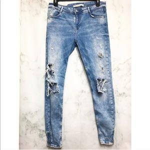 Zara • blue distressed jeans